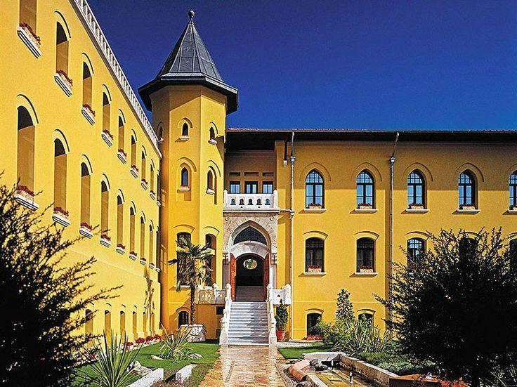 A sunny hotel. Four Seasons; Sultanahmet, Istanbul.