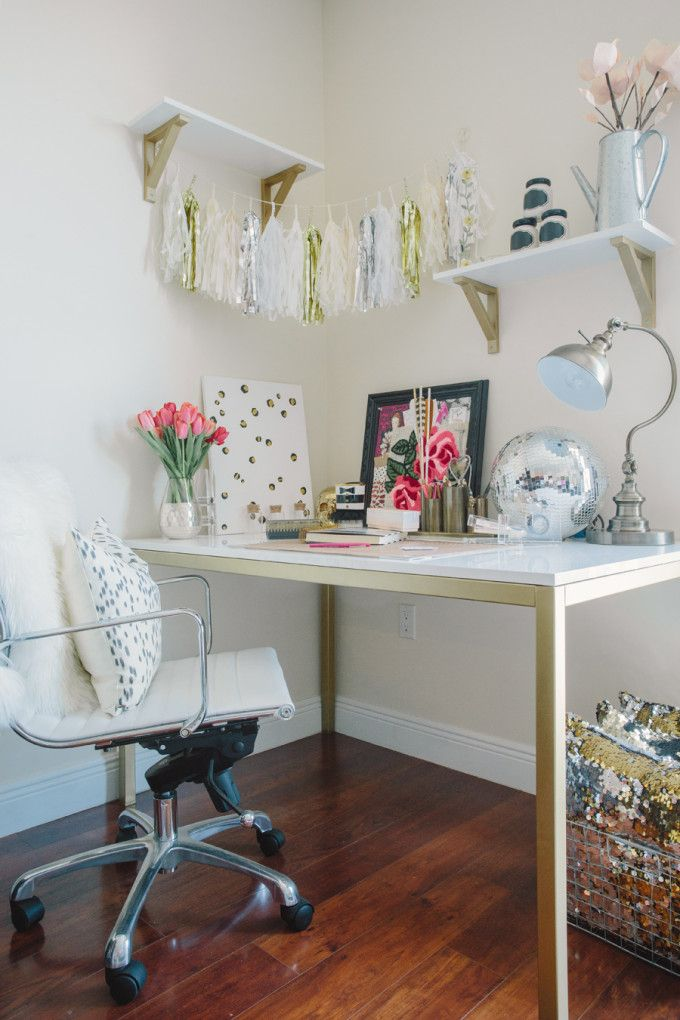 image credit: Leslie Holzberg Klitzer of  Glitter Inc . House Tour for  Style Me Pretty .