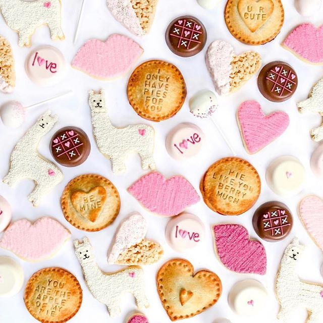 All the love and sweetest treats from our friends at @jennycookiesbakeshop. Happy Valentine's Day everyone!! 💗❌⭕️ #hearts #valentinesday #cookies