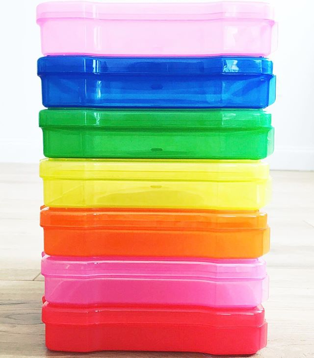 The only thing better than photo storage boxes, are @irisusa photo storage boxes in every color of the 🌈 P L U S, they're also perfect for stuff, things, and odd n' ends, because - Contain It! FYI: Each case holds about 100 4x6 photos. 💗💙💚💛🧡💖❤️