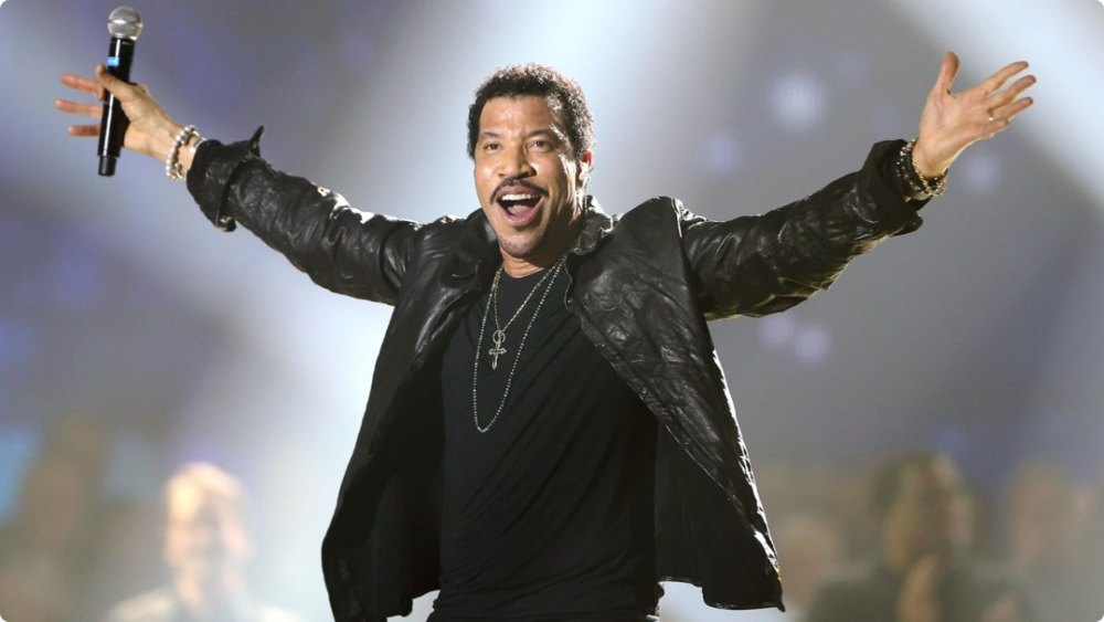 LIONEL RICHIE  -- R&B MUSIC LEGEND