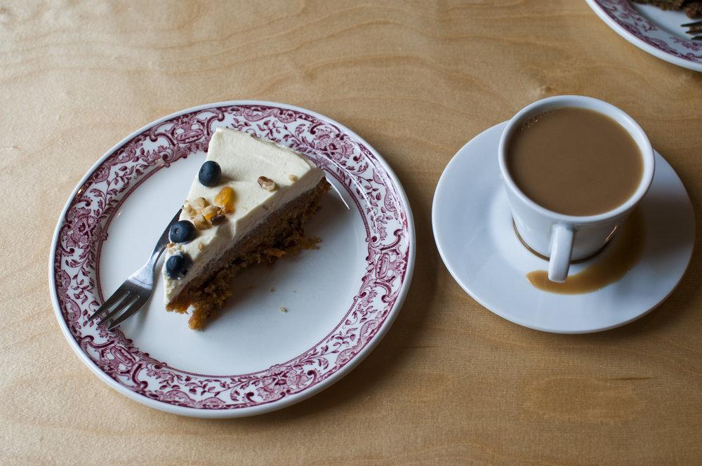 hellojlo_food_iceland_cake.jpg