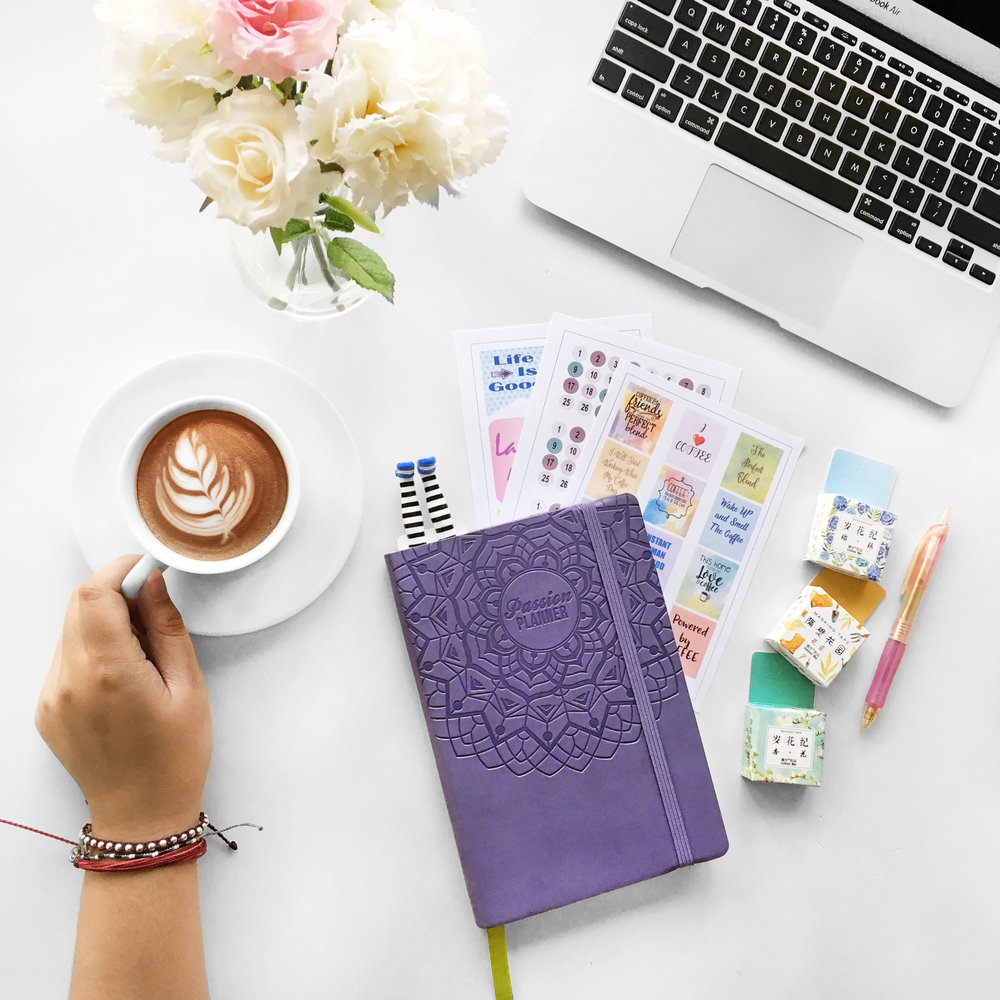 Your Undated is your goal, your progress, your planner. Make it your own.Customize your Undated to fit your style!