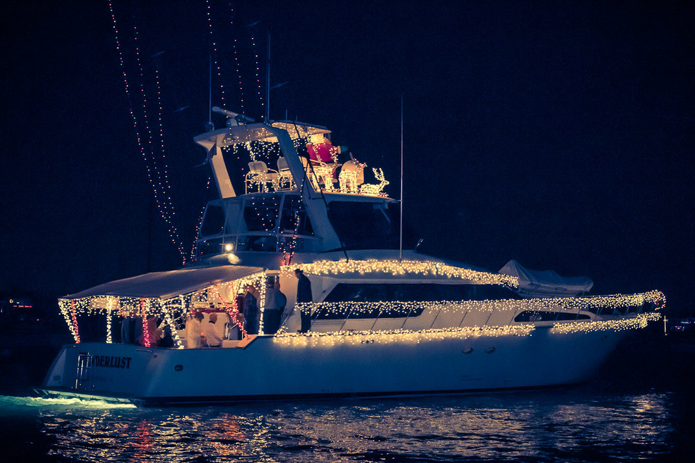 20121221_DDESAI_NewportBeachBoatParade_145