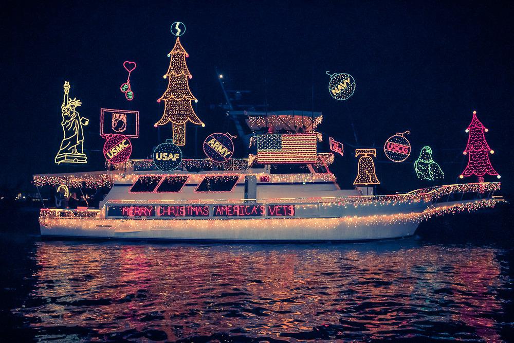 20121221_DDESAI_NewportBeachBoatParade_155