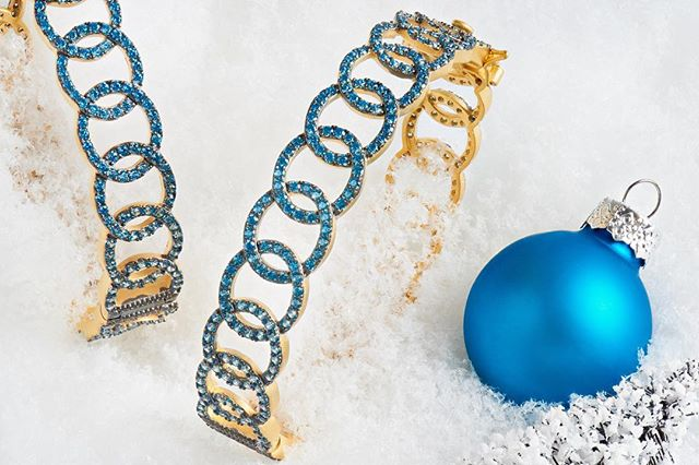 More from the @freidarothman holiday editorial.  #stilllife #photography #nikon #elinchrom #blue #jewelry #beautiful #stunning #pretty #holiday #bestoftheday #photooftheday #newyork #ny #nyc #photoshoot #snow #winter #bracelet #bracelets @nikonusa @elinchrom_ltd