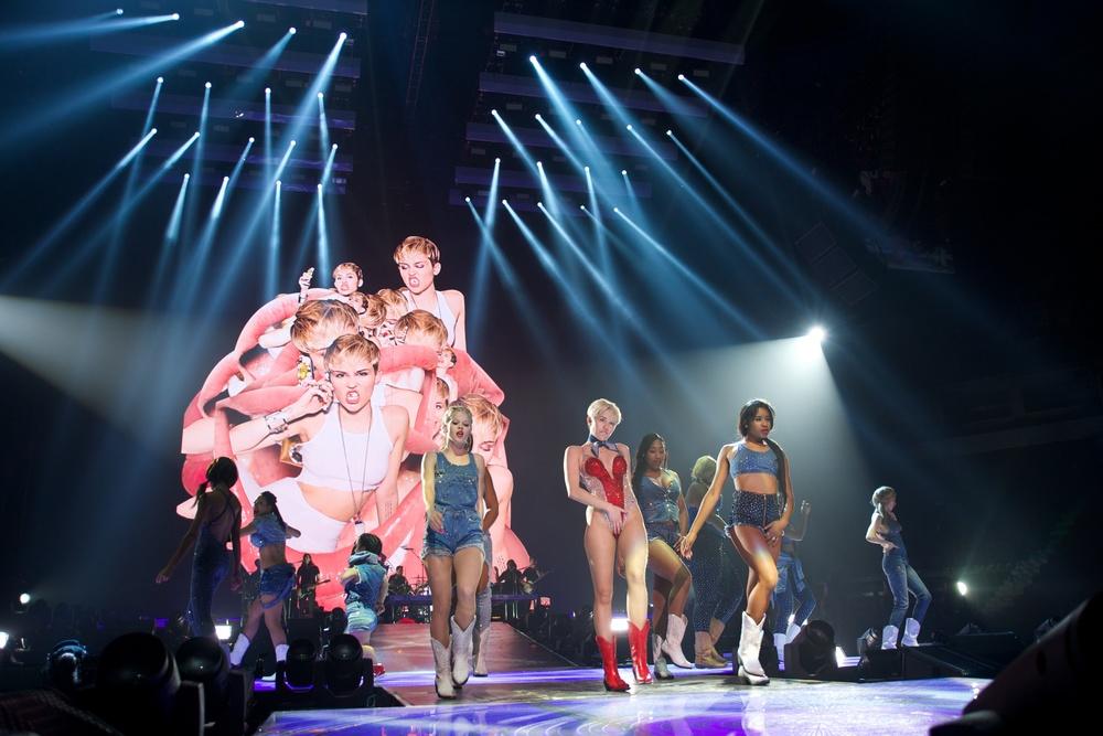 Miley Cyrus, Vancouver, 2014