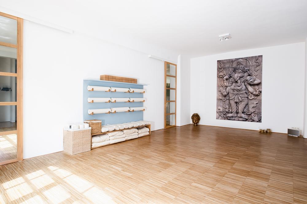 yesyoga-interior-14.jpg