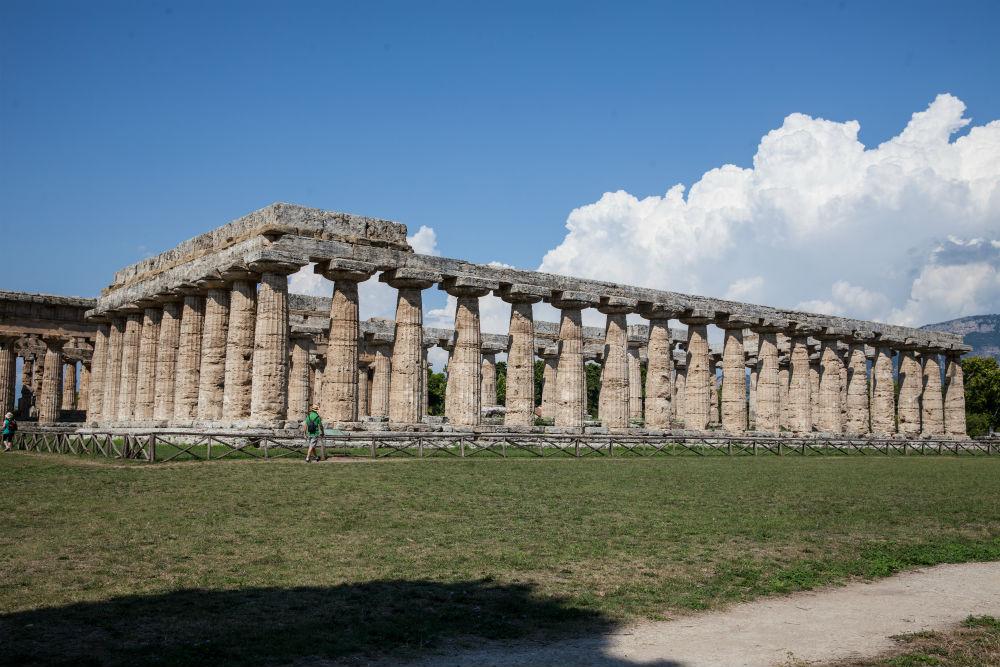 Paestum temple.jpg