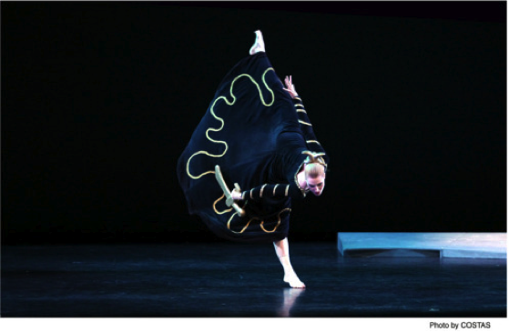 Katherine Crockett as Clytemnestra, from http://nycdancestuff.wordpress.com/2014/04/11/martha-graham-dance-companys-program-a-at-the-new-york-city-center-2014/