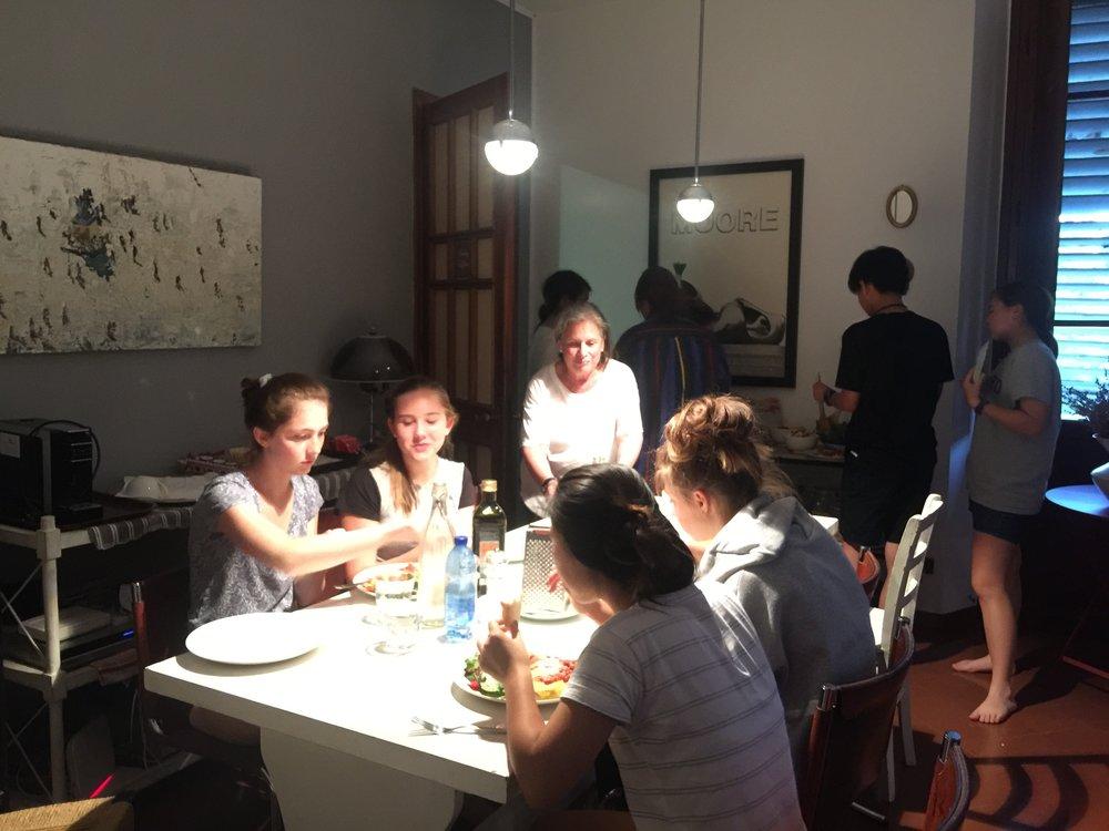 eating dinner at Casa di Mina Flo 1.JPG