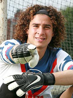 Guillermo Ochoa, Mexican soccer
