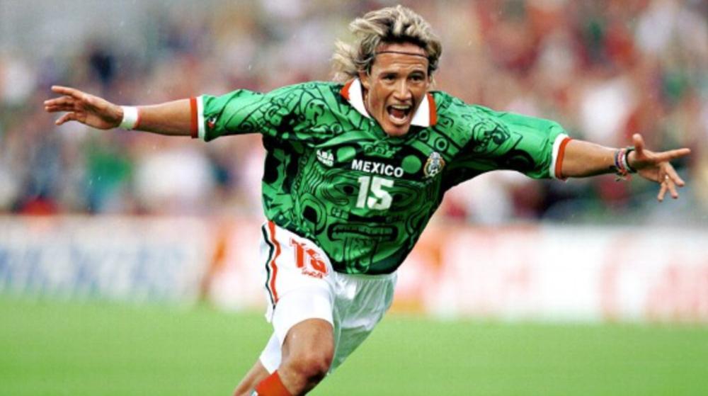 """Luis """"El Matador"""" Hernandez, Mexican soccer legend"""