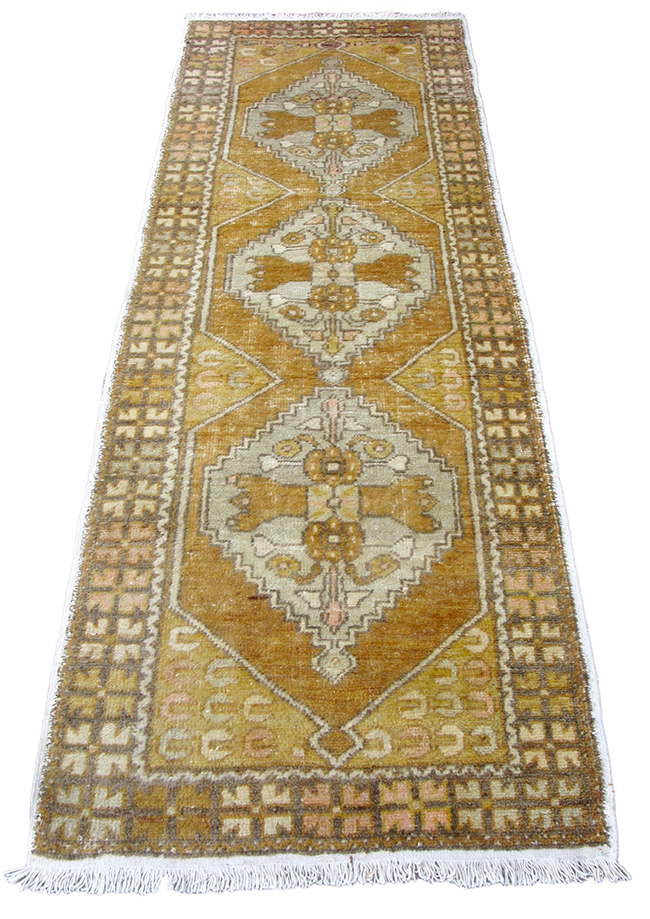 Turkish Ushak Rug: $1600