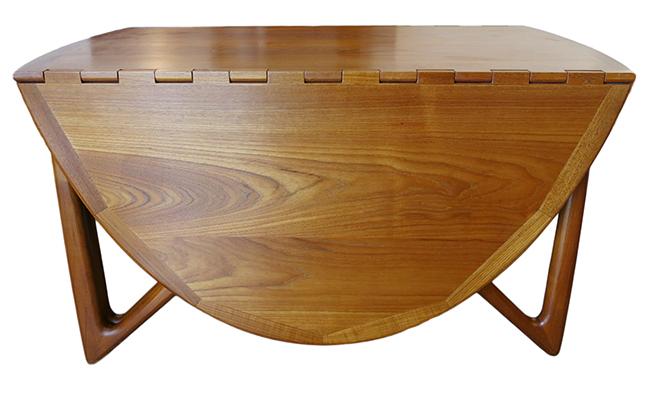 Niels Koefoed dining table 2.jpg