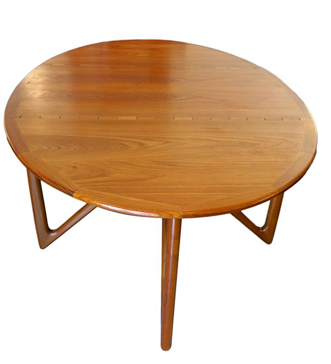 Niels Koefoed dining table 8.jpg