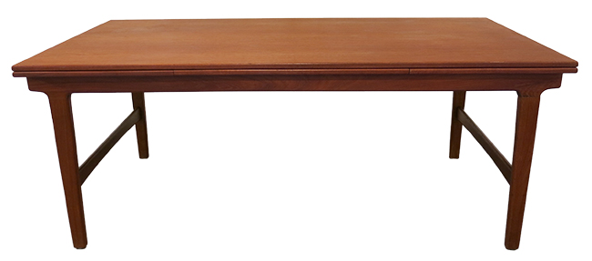 Teak dining table 01.jpg