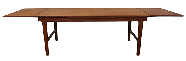 Teak dining table 4.jpg
