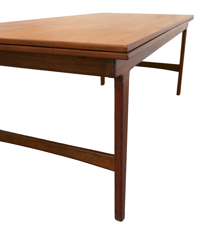 Teak dining table 3.jpg