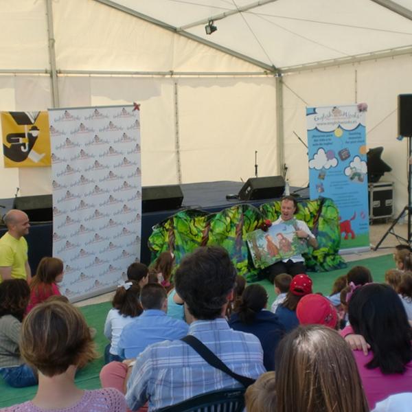 Monkey Puzzle at Feria del Libro en Valencia.