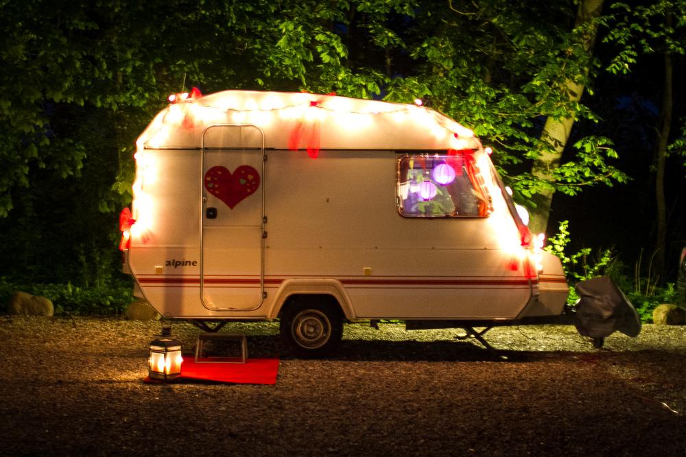 Campingvogn klargjort til bryllupsnat