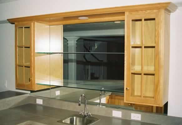 mirrored_wet_bar_with_clear_shelves.jpg