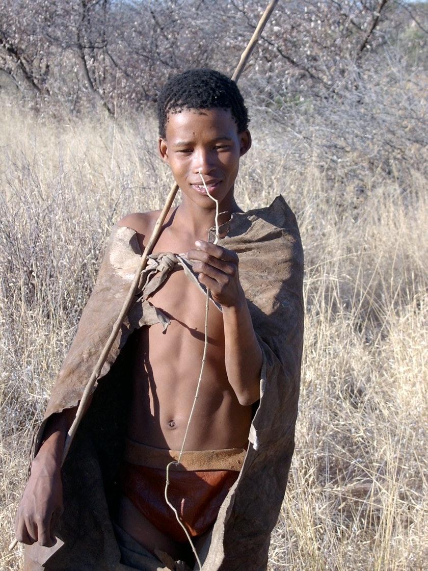 Joven bosquimano , Ghazni, Botsuana, por Petr Kosina,  CC BY-NC 2.0