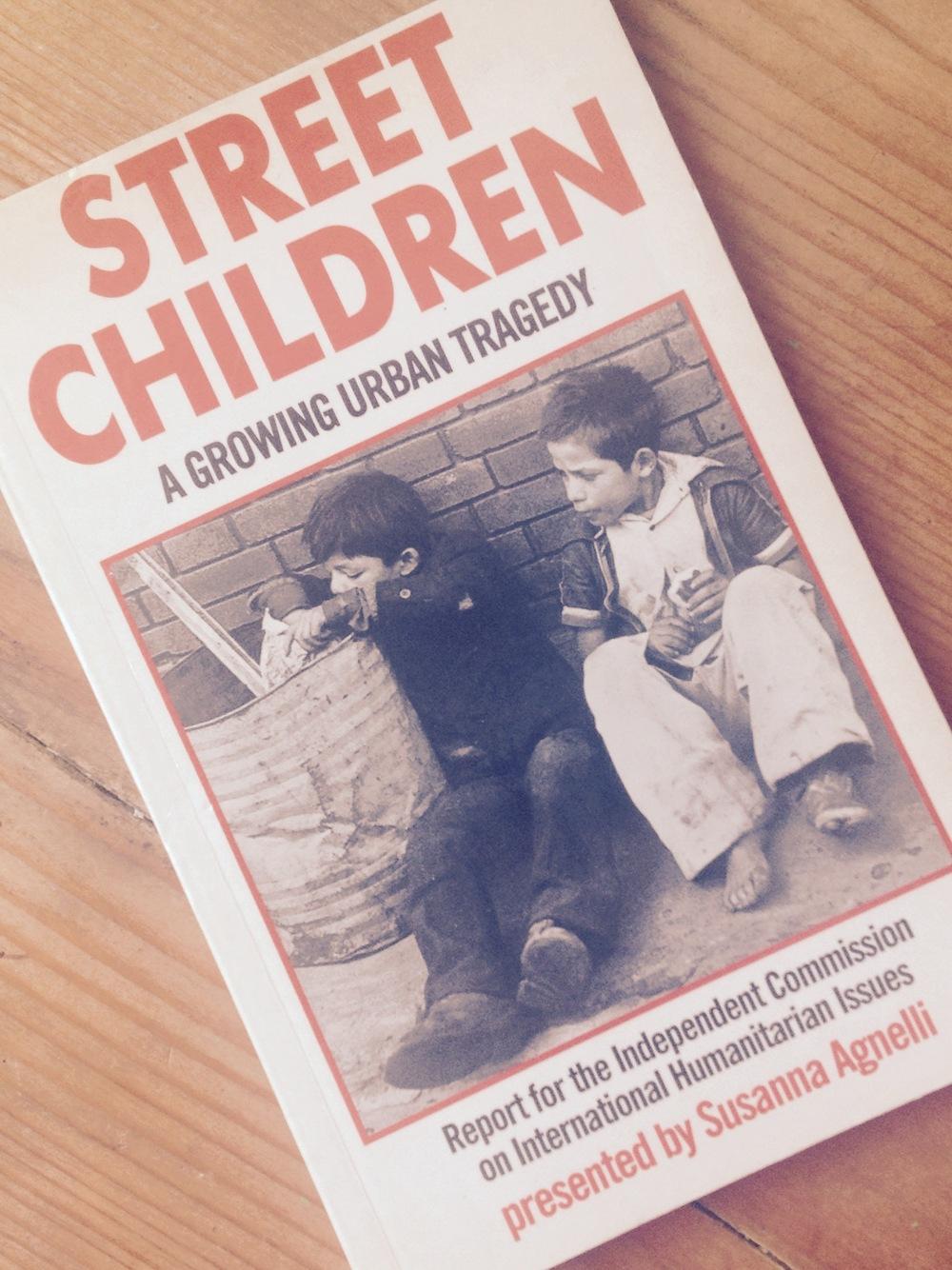 El informe Street Children, elaborado por Susanna Agnelli para Naciones Unidas en 1986.