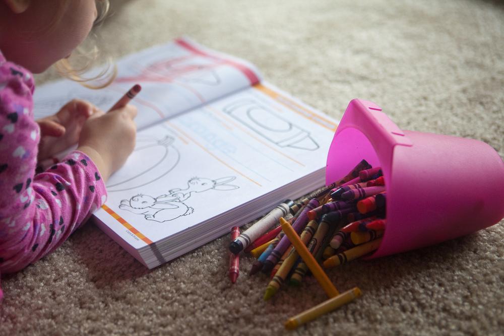 "Foto: "" Preschool Workbook "", por Corie Howell,  CC BY-NC-ND 2.0"