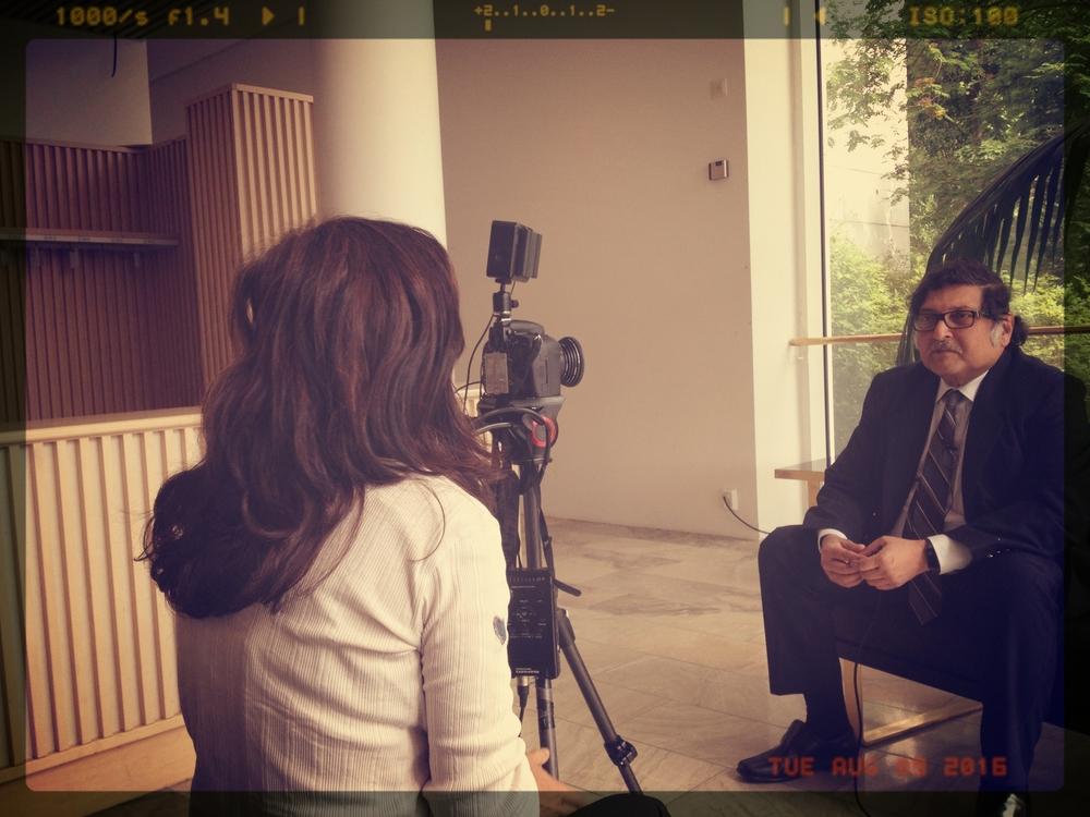 Entrevistando a Sugata Mitra en IDEC2015