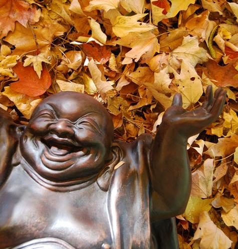 Laughing Buddha , por Michael Kuhn, CC BY-NC-SA 2.0