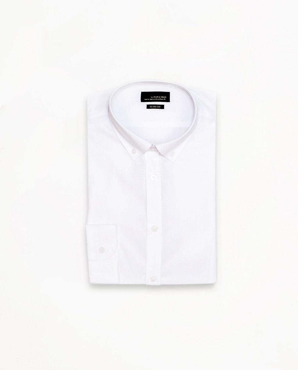 Bela košulja...verovatno će vam se uskoro udavati ili ženiti neko od bliskih prijatelja, pa zatrebaće :-)...a i lepo je leti belo... :-)