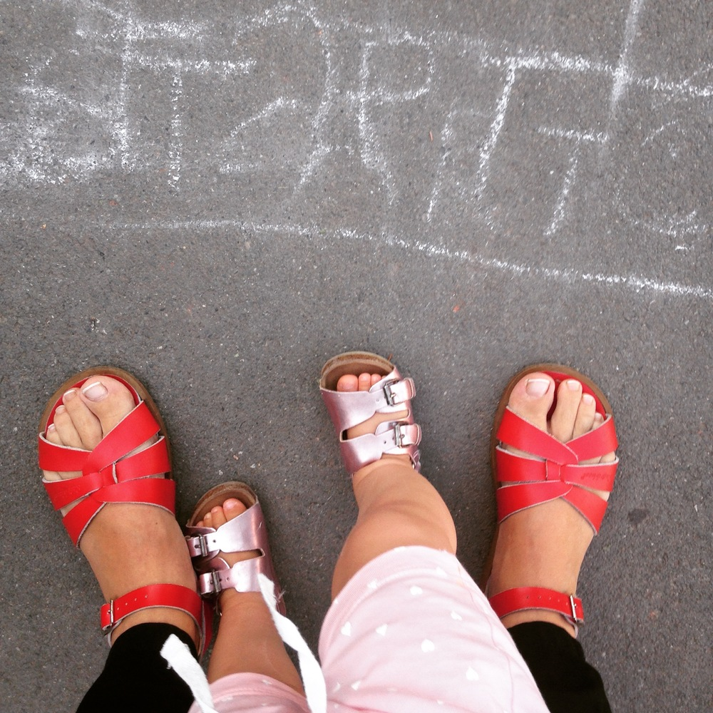 Mama: Salt-Water Sandals  Valentina: Zara sandale (nasleđene :-)