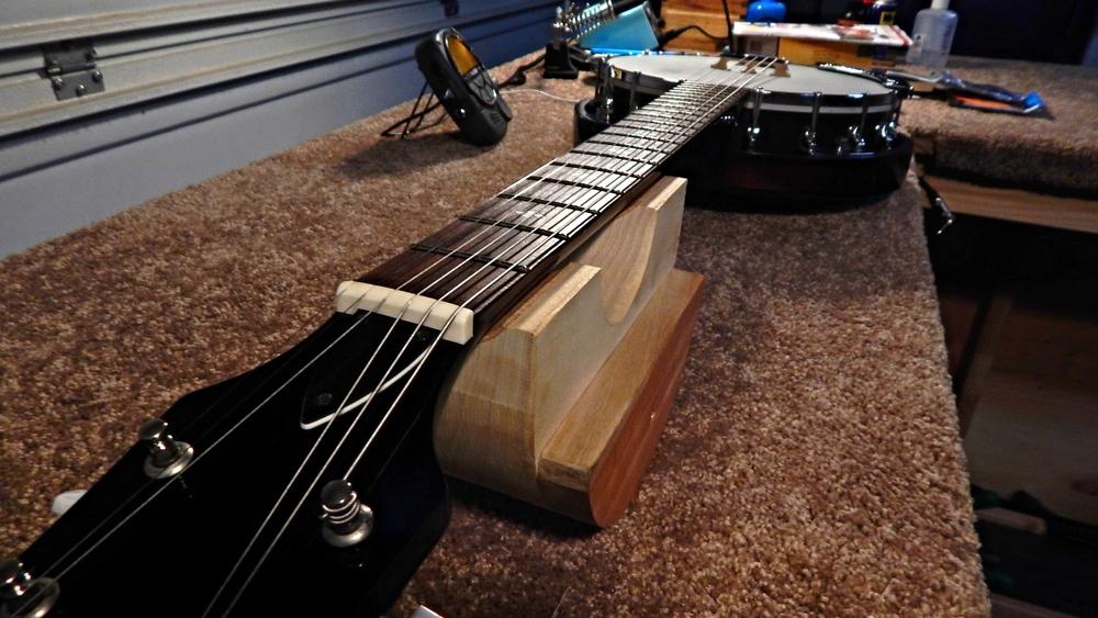 Banjo + 6 strings = Banjitar