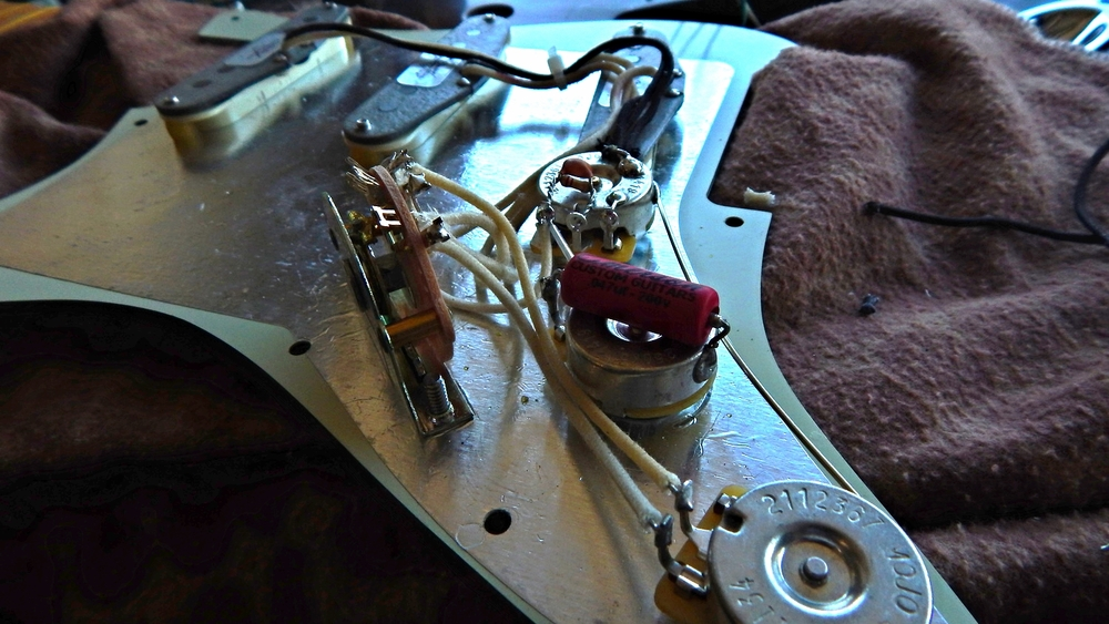 Emerson Custom 5-way blended harness soldered up and ready to be mounted.