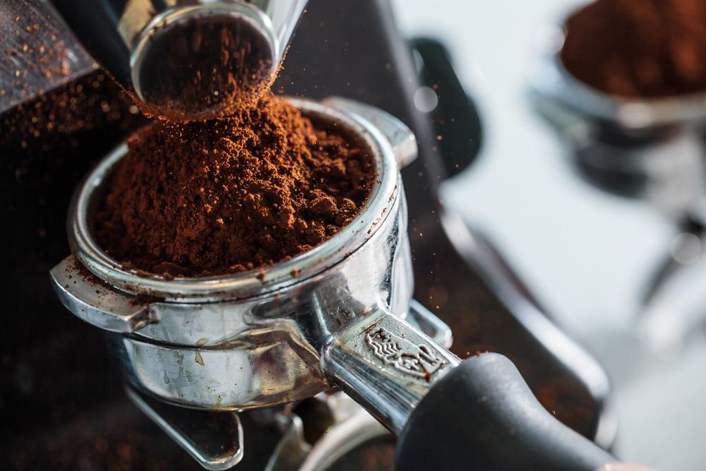 coffee_pour_seq_0004.jpg