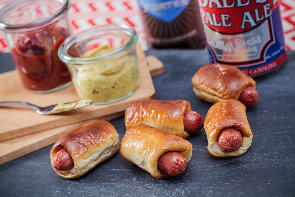 pigs in a blanket_0001.jpg