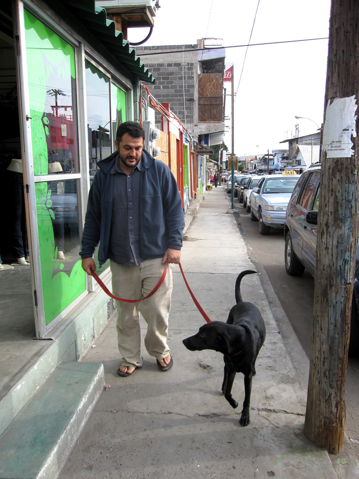 Ping's first walk in Mexico.jpg