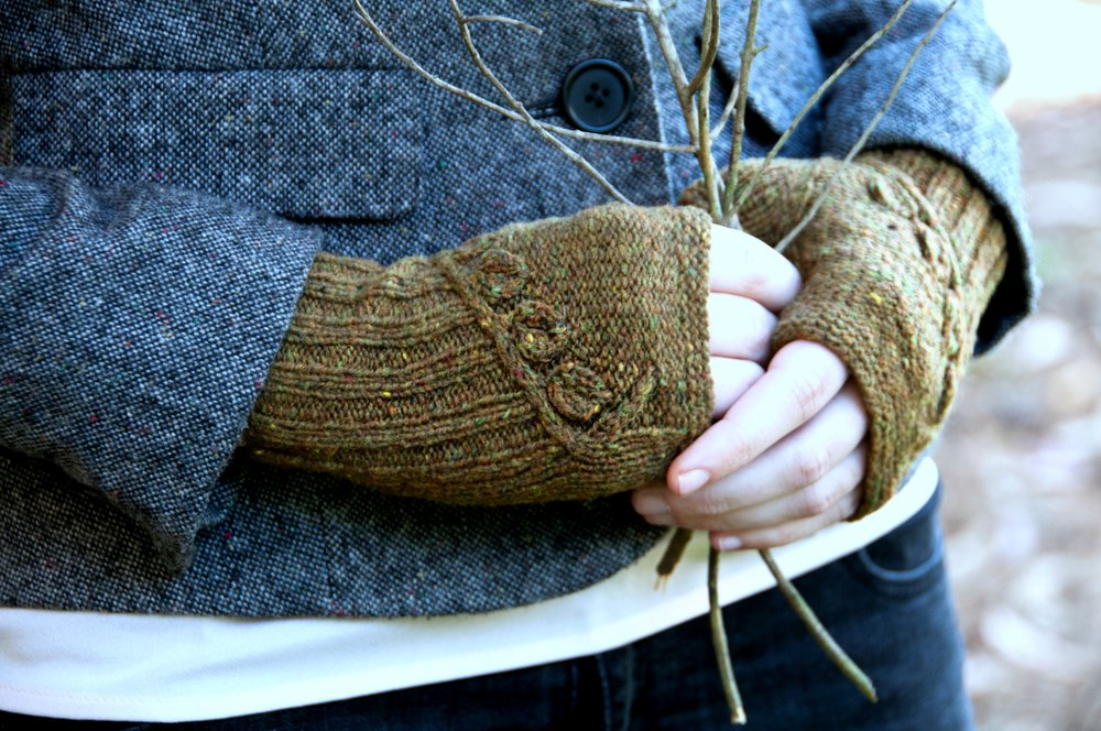 Twigs and Willows Mitts 2.jpg