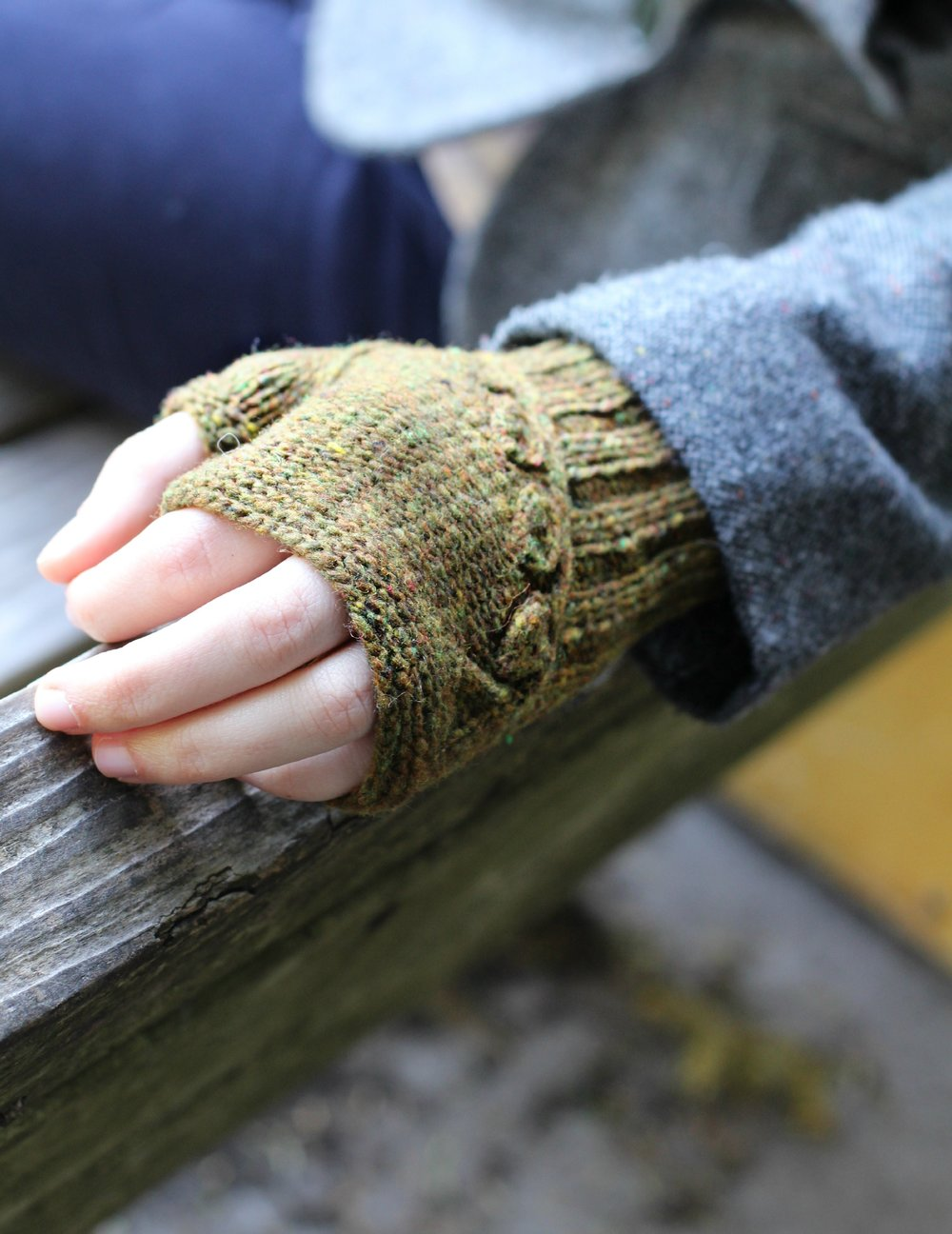 Twigs and Willows Mitts 1.jpg