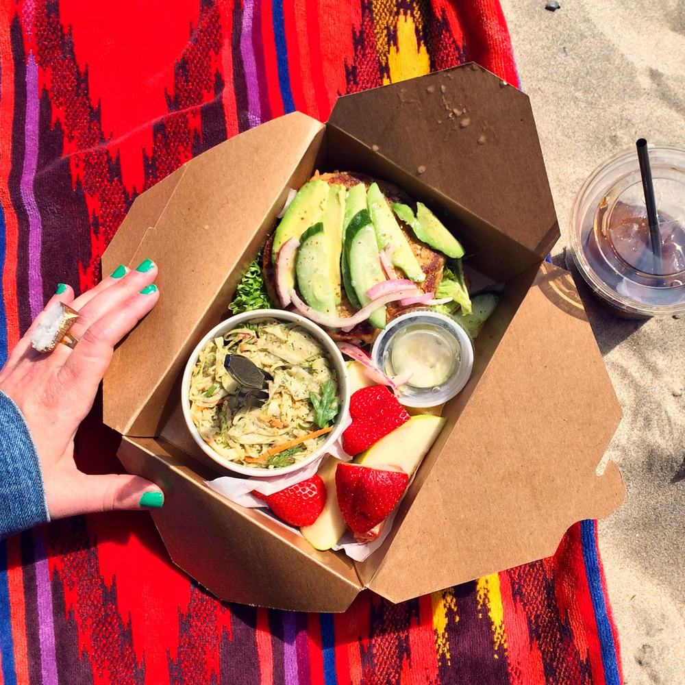 KMarshello_CannonBeachCafe_Picnic_Lunch2.jpg