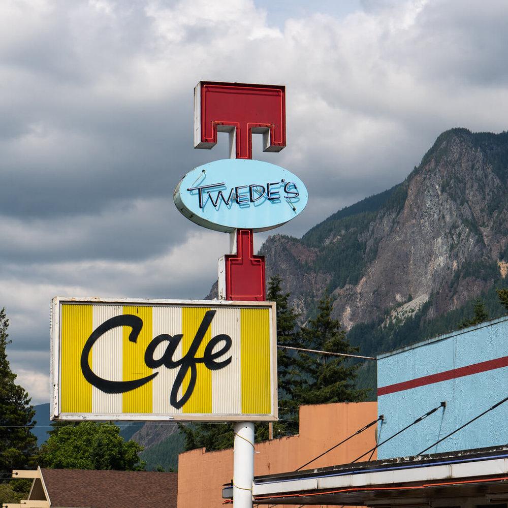 Savor-Snoqualmie-Valley-branding-inspiration-Twin-Peaks-Kat-Marshello72018.jpg