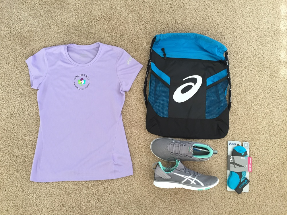 Bib pick up included a race shirt, drawstring bag, socks and shoes