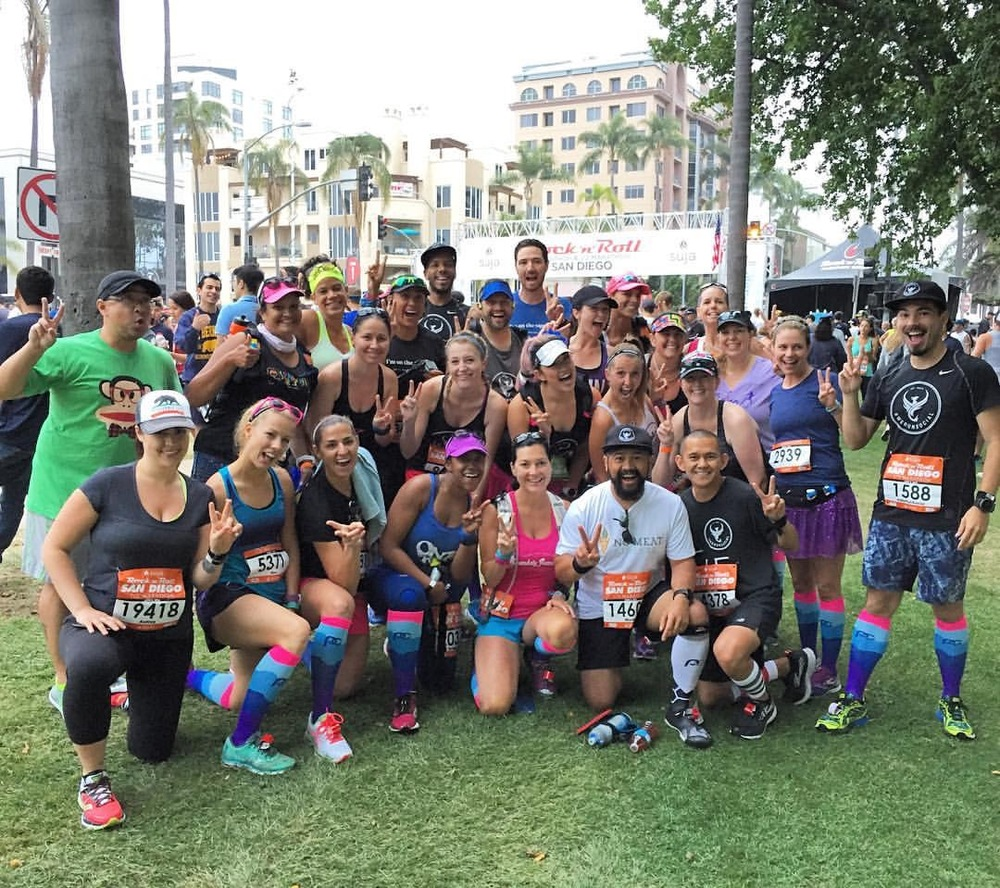 Pre-race epic photo. So many friendly faces. These folks are all AWESOME runners!