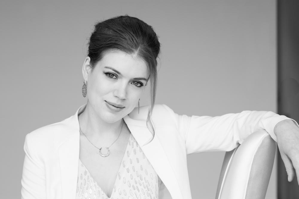 Olga Stezhko promo B&W
