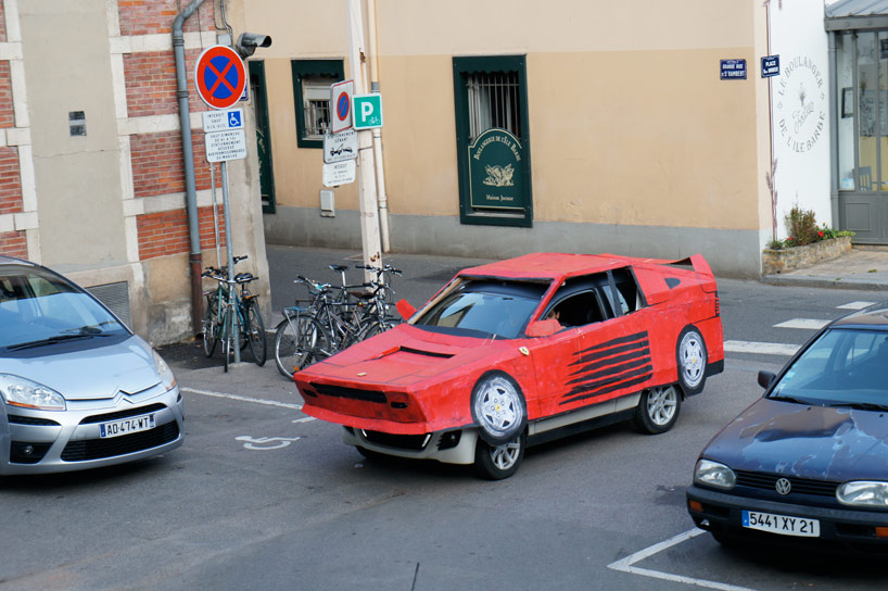 benedetto-bufalino-transforms-an-old-car-into-a-cardboard-ferrari-designboom-23.jpg