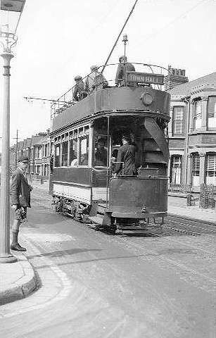 A car on Rainham Road, near the Jezreels, in 1928.