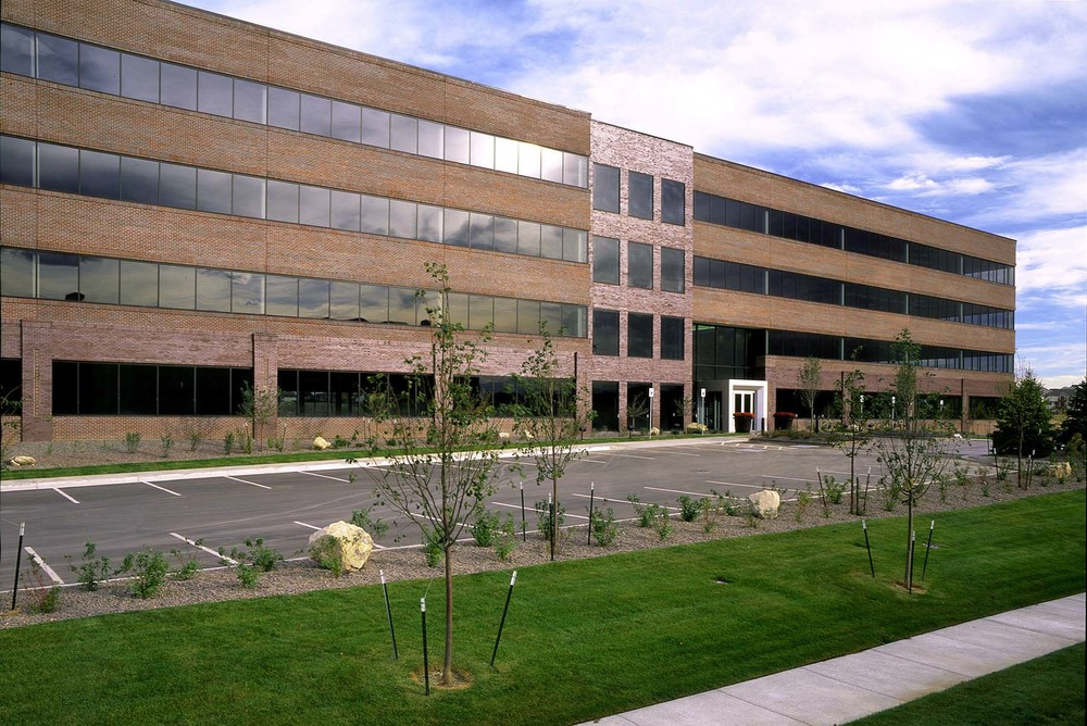 CHURCH RANCH -  122,823 SF Core and Shell Office Building with 30,565 sf Parking Garage