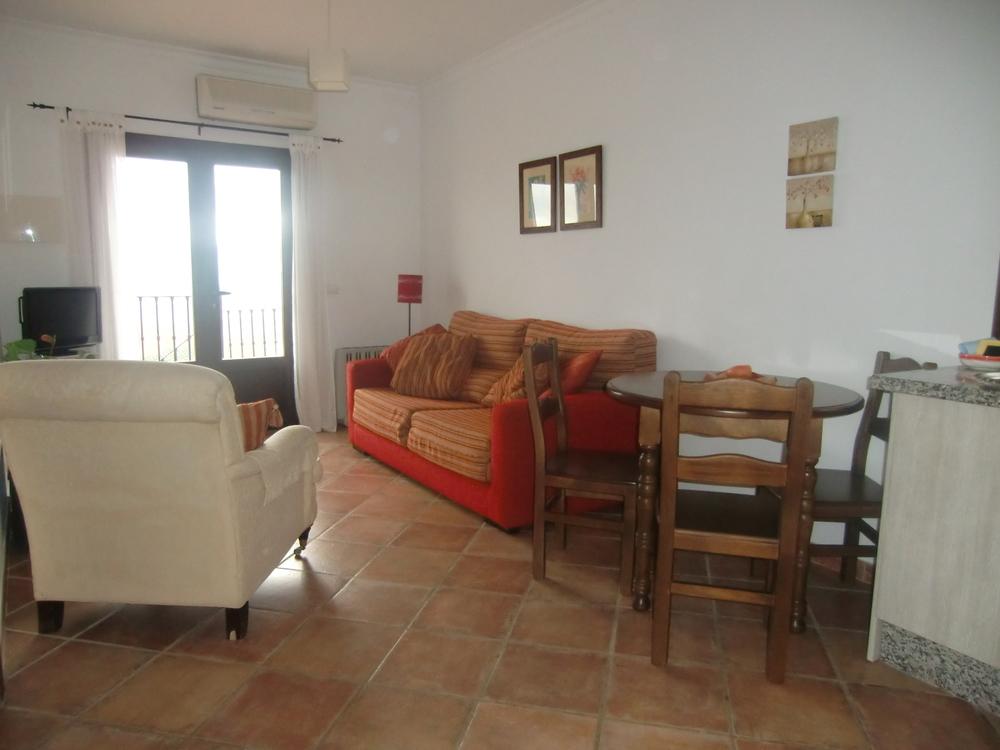 apartment 1 012.JPG