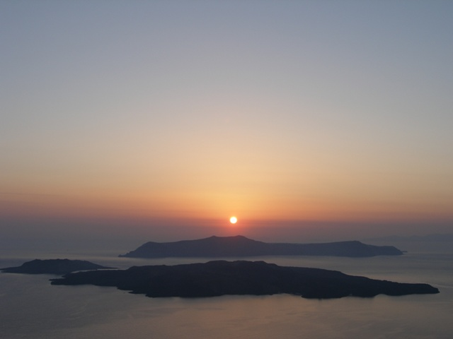 greece_santorini_volcano2.jpg